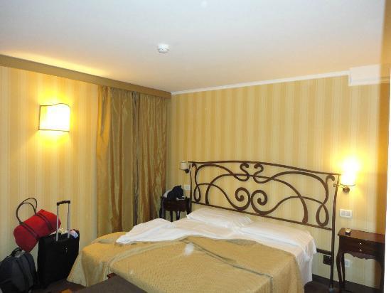 Hotel Continental Venice: Habitacion