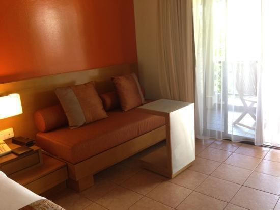 Angsana Bintan: couch