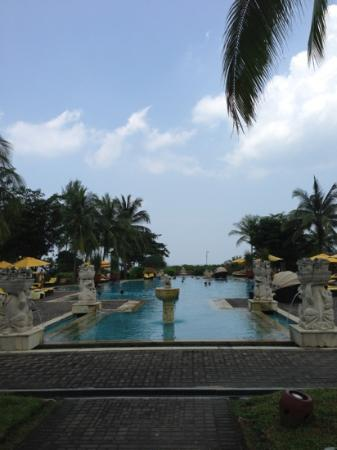 Angsana Bintan: the pool