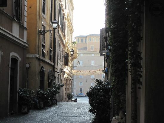 Antica Dimora de Michaelis: ホテル前の道