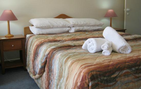 Breakaway Bed & Breakfast: Double bed unit