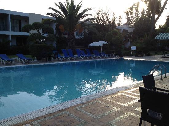Hotel Volubilis: Piscina
