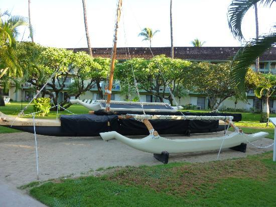 ‪‪Kaanapali Beach Hotel‬: Outrigger built by the staff‬