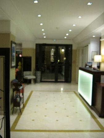 Best Western Plus Hotel Sydney Opera: Hotel hallway lobby