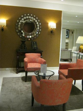 Best Western Plus Hotel Sydney Opera: Hotel lobby seating lounge