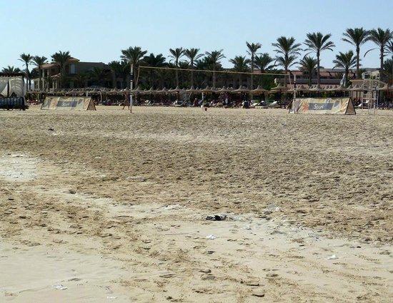 Almaza Bay : Spiaggia