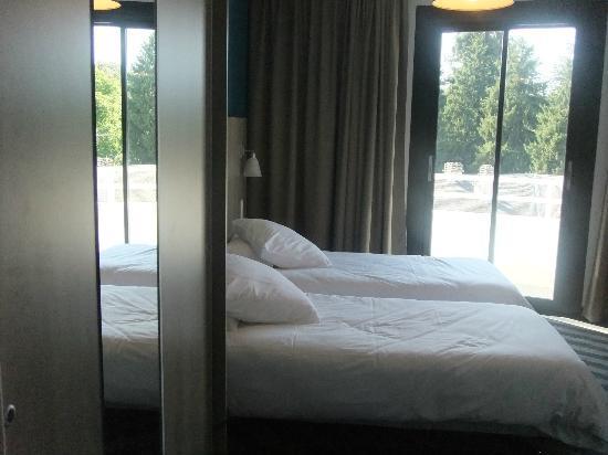寝心地の良いベッド : fotografía ...