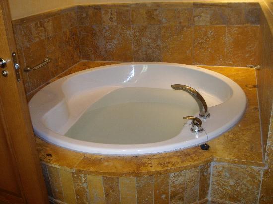 Vincci Hotel Envia Almeria Wellness & Golf: bañera redonda