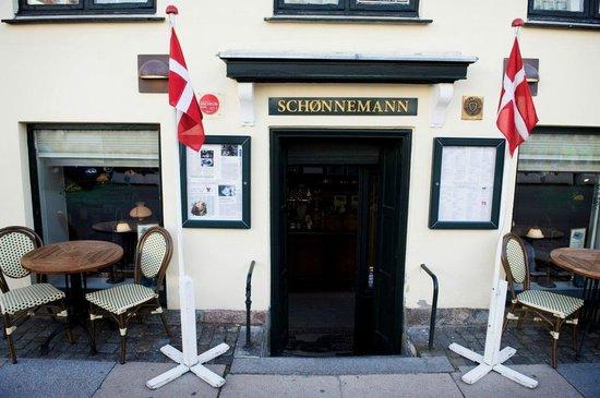 Photo of Modern European Restaurant Restaurant Schoennemann at Hauser Plads 16, Copenhagen 1127, Denmark