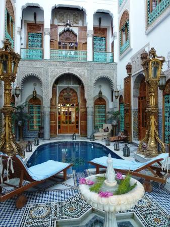 Riad Arabesque: Piscine intérieure