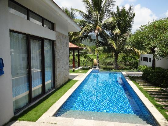 Grand Metropark Resort Hotel: Pool Villas