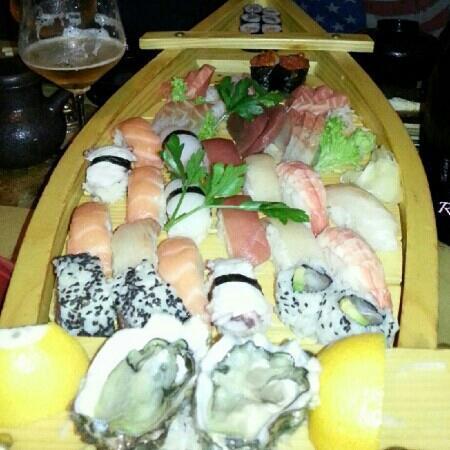 Tsuru Sushi: herlig...