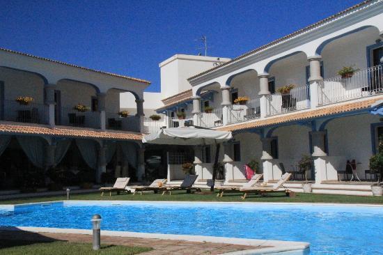 Diana Hotel : Pool