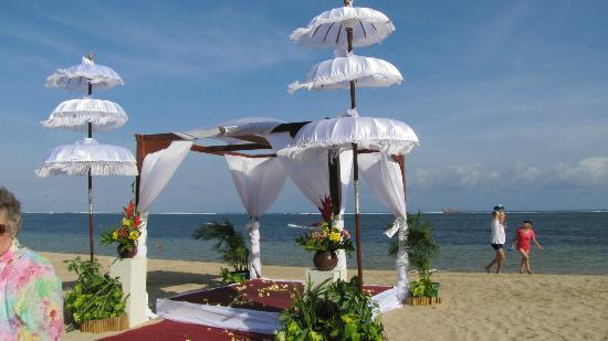 Prama Sanur Beach Bali: Wedding pergola