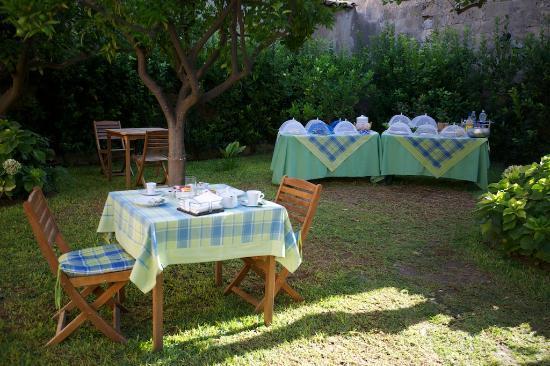 Il Giardino del Barocco: Breakfast
