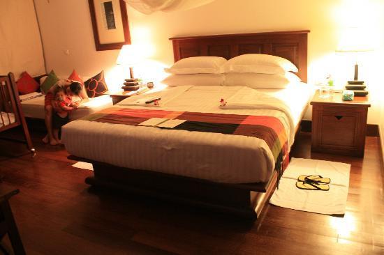 Belmond La Residence d'Angkor: Bed