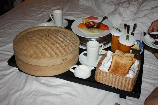 Belmond La Residence d'Angkor: Our breakfast