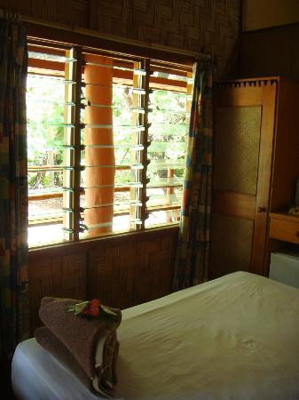 Beachcomber Island Resort: facility3 room