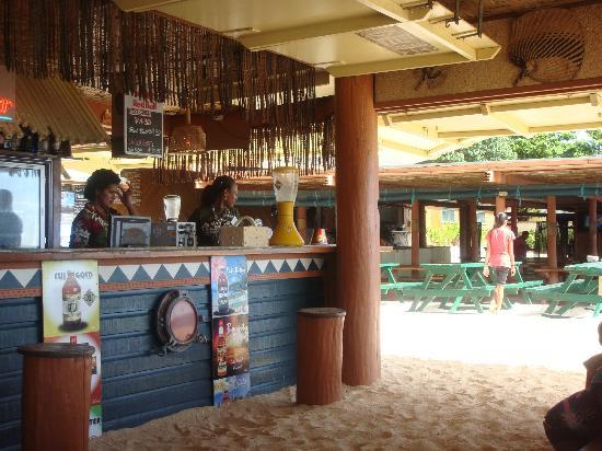 Beachcomber Island Resort: facility2 bar