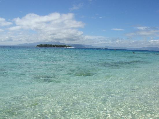 Beachcomber Island Resort: ocean front