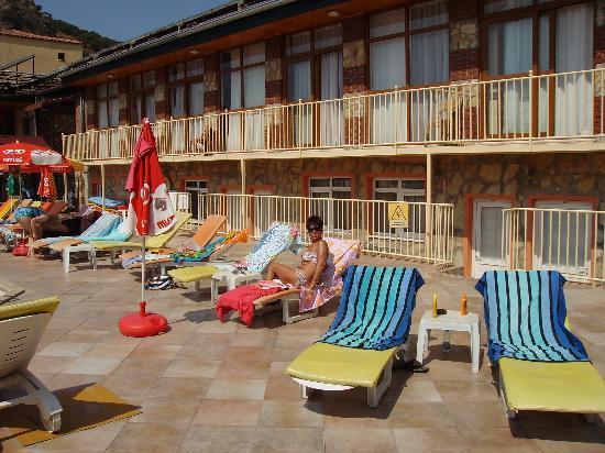 Hotel Turk: pool area