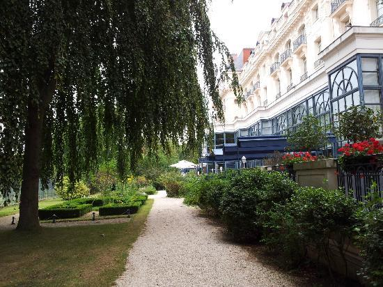 Trianon palace versailles a waldorf astoria hotel france reviews photos price comparison - Hotel trianon versailles ...