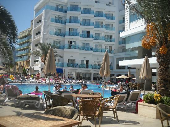 Blue Bay Platinum Hotel: havuz
