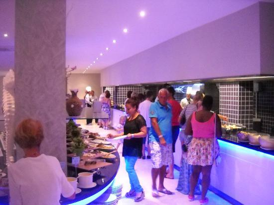 Blue Bay Platinum Hotel: yemek