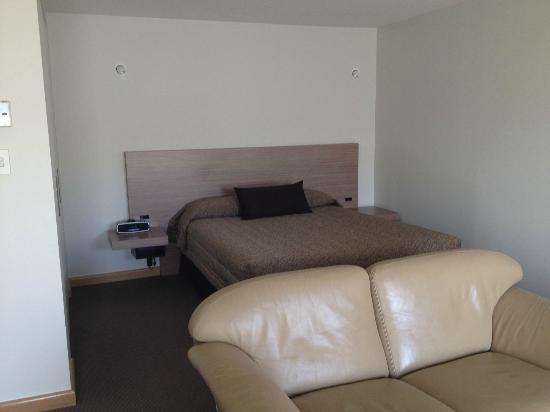 โรงแรมซาลามังค่า อินน์: Our Bed