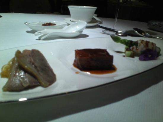 カペラ シンガポール, カッシアのディナー