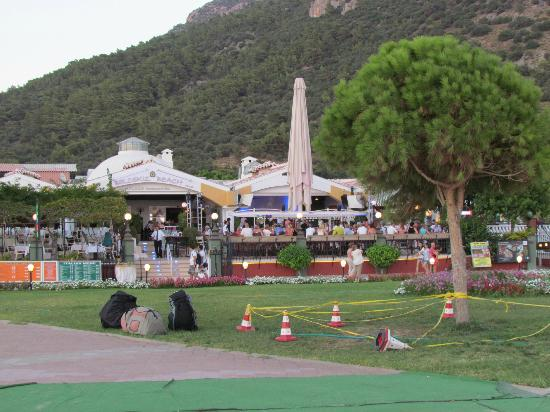 Club Belcekiz Beach Hotel: l'hotel vu de la plage