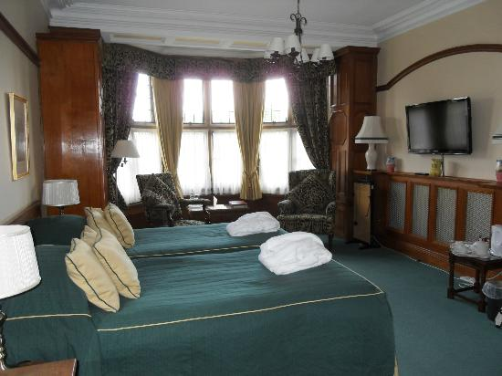 Dunsley Hall: bedroom 2