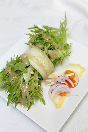 Couples Resort: Cucumber Roulade Salad