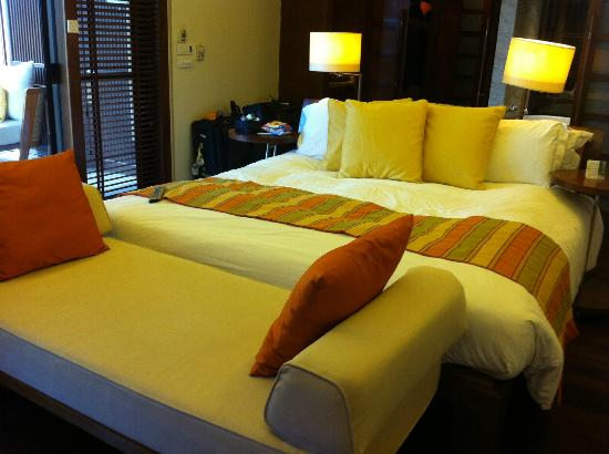 Centara Grand Beach Resort & Villas Krabi : Bed