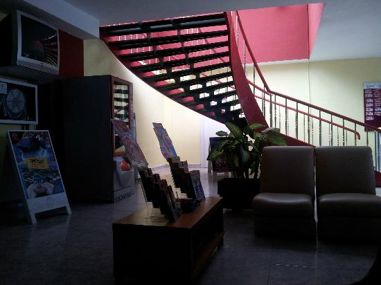 Hotel Bahia Flamingo: Stair to swimpool