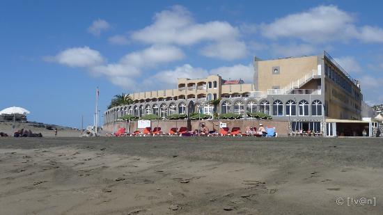 San Agustin Beach Club: Hotel view from the beach