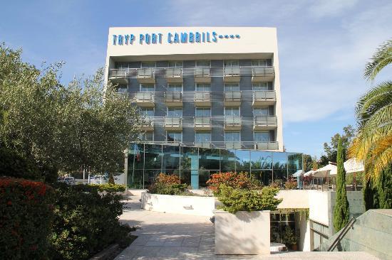 TRYP Port Cambrils: Отель