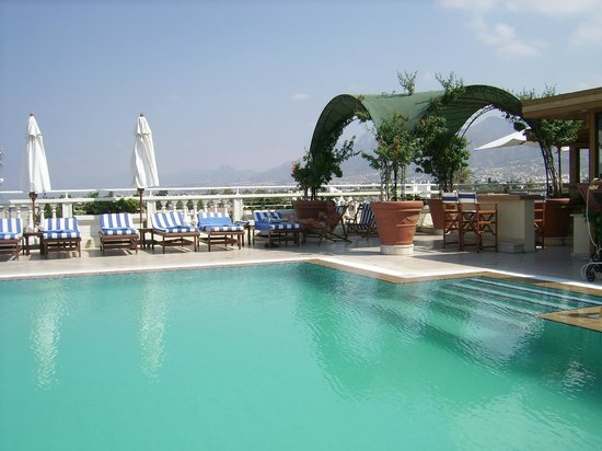 The Arkin Colony Hotel : Colony rooftop swimming pool