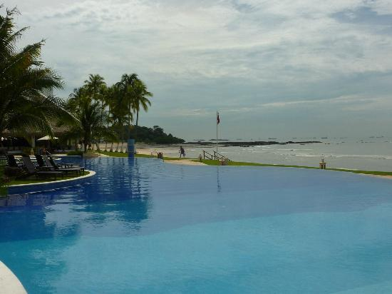 Secrets Playa Bonita Panama Resort & Spa: Infinity pool
