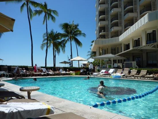 Moana Surfrider, A Westin Resort & Spa, Waikiki Beach: プール