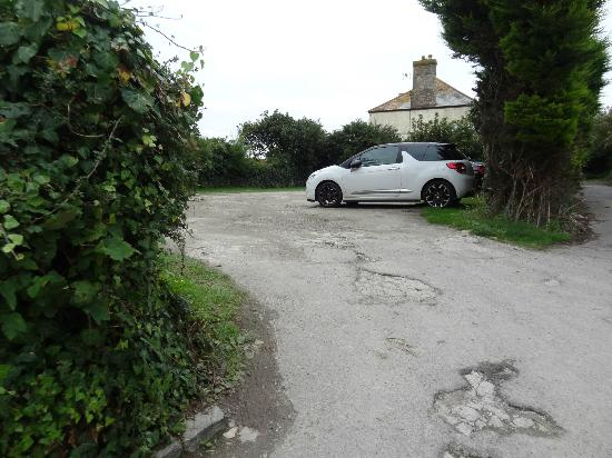 Porth Lodge Hotel: Car Park for guests
