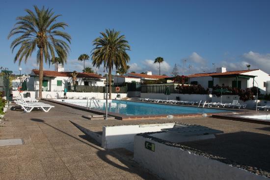 Las Tartanas : Nice spacious and peaceful pool