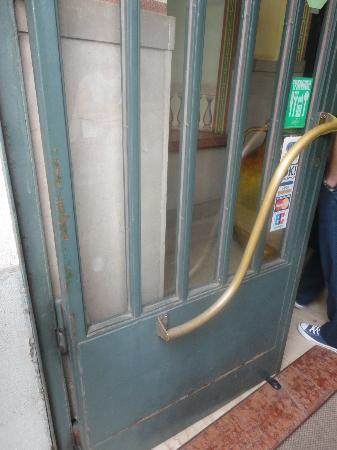 Hotel Ponte Vecchio : puerta entrada hotel 4*
