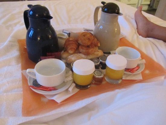 هوتل أكوابيلا: Plateau petit déjeuner 