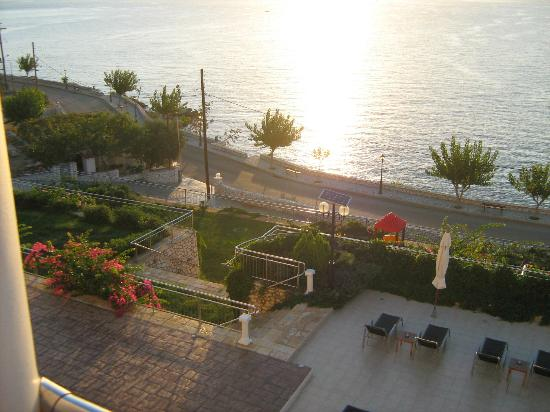 Odyssey Hotel Kefalonia: Sunset from room 201