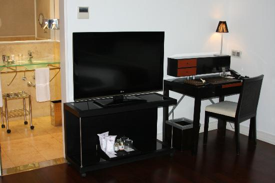 AC Santo Mauro, Autograph Collection: Superior Room Desk Area and HDTV