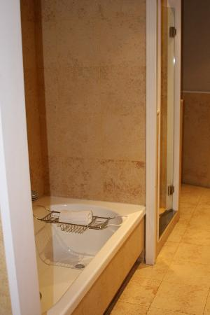 AC Santo Mauro, Autograph Collection: Superior Room Bathroom with Separate Tub, Shower and Walk-In Closet