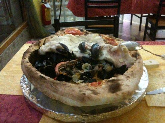 Macedonia Ristorante Pizzeria : La Paella di pesce