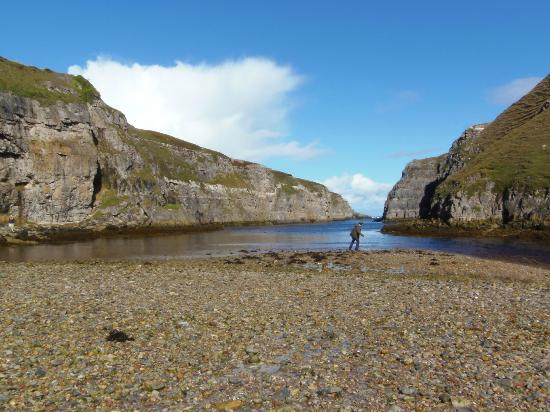 Glengolly Bed and Breakfast: Smoo Cave inlet