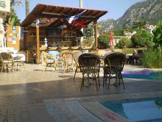 Faber Apart Hotel: Bar at the pool